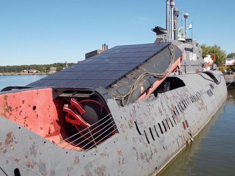 Ausgefahrene Raketenschächte: zum Abschuss musste das Boot aufgetuacht sein, was natürlich einen gewissen Gefahrenmoment beinhaltete.