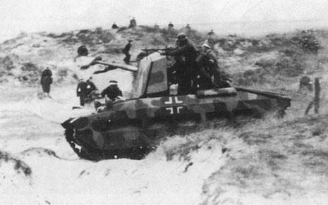 Das Originalfahrzeug im Einsatz bei einer Übung.