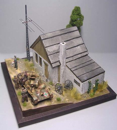 Das Diorama ist von allen Seiten besehbar, da es sich um ein Kompletthaus handelt.