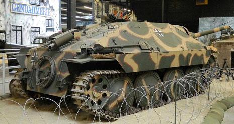 Jagdpanzer Hetzer, mittlere Ausführung, perfekt restauriert, sogar das Schmieröl tropft aus den Radlagern!