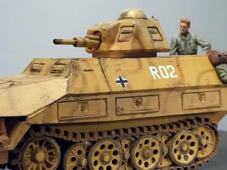 Nur noch rudimentäre Markierungen eines Fahrzeuges des Regimentsstabes.