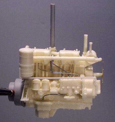 Die grauen Teile sind vom Plastikkit schon übernommen z.B. den Übergang zum Getriebe.