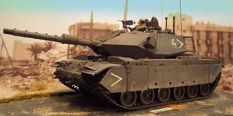 Der markante Turmumbau mit der reaktiven Panzerung und den neuen Seitenschürzen verleihen dem ex-M60 ein völlig neues Erscheinungsbild.