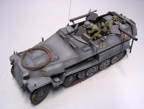 Die zwei Flammrohre bekamen die gleichen Schutzschilder wie das vordere MG 42.