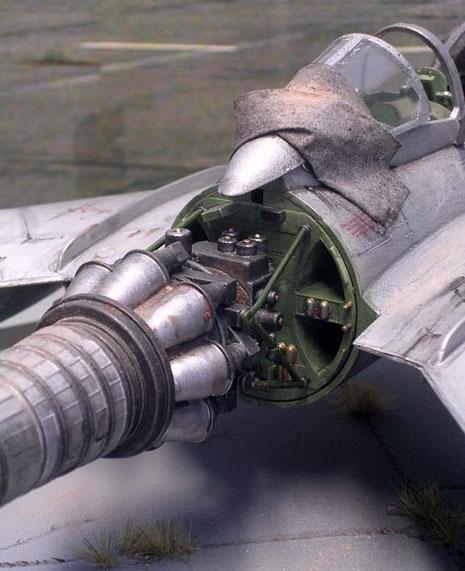 Durch das Stehen bei Wind und Wetter ist die Maschine dementsprechend schon arg mitgenommen.