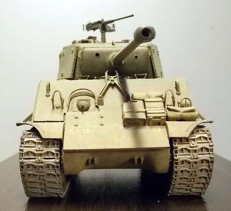 Zusätzliche Frontplatten erhöhten den Panzerschutz auf 100mm.