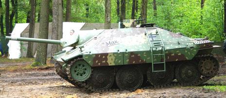 Jagdpanzer Hetzer perfekt restauriert und natürlich fahrbereit..und wie leise der ist!!