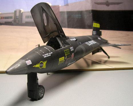 Ein eniziges Hochgeschwindigkeitsgeschoß mit wahrscheinlich prekären Flugeigenschaften.