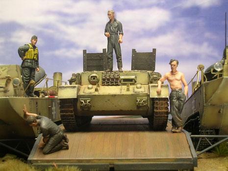 Die turmlose Panzerwanne - natürlich ohne Bewaffnung und Kennzeichen.