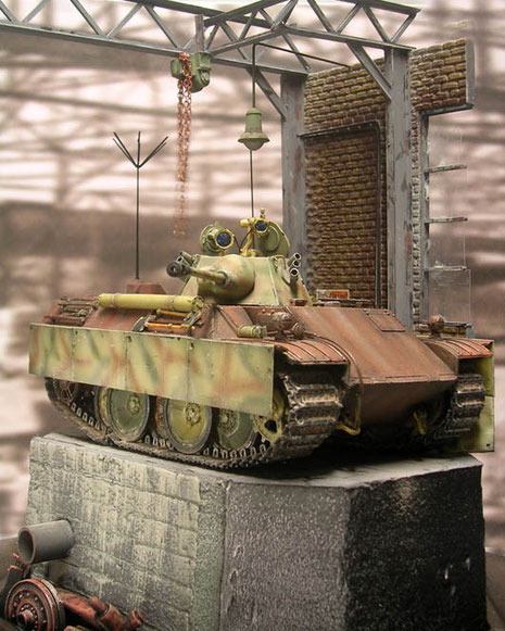 Mit einem entsprechenden Hintergrundbild kommt die richtige Panzerfabrikatmosphäre auf.