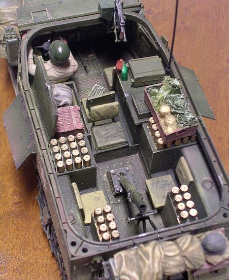 neben Munition fürht die (noch fehlende) Besatzung alles mit, was man zum Leben an der Front braucht.