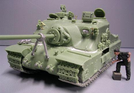 Über 20cm gegossener Stahl im Frontbereich sollte die Schildkröte unverwundbar machen. Dafür interessierte sich 1946 nur noch wenige.
