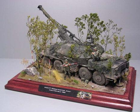 """Dazu wurde das Modell in eine bewaldete Stellung gesetzt-die """"Bäume"""" sind von Fredericus Rex."""