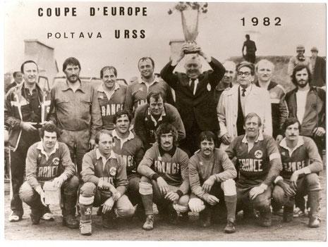 """Untere Reihe 2.v.rechts: GERARD aus Houlgate. 1971/72 wurde ich von ihm in Frankreich """"schwindlich"""" gespielt, hauah, hauah..."""