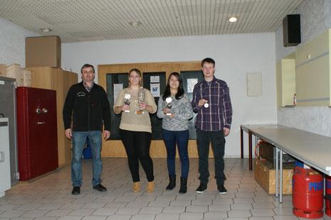 von links: Rainer Müller, Laura-Jane Gewehr, Lisa-Marie Köth, Philipp Quirmbach (es fehlt: Nils Kaumanns)