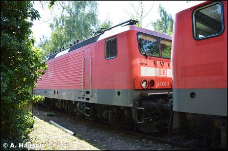 Am 27. August 2016 steht 143 130-3 z-gestellt im Bw Halle P