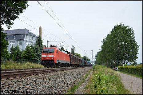 11. Juni 2016: 152 161-6 zieht den GA 52811 von Braunschweig nach Mosel. In Grüna bei Chemnitz hat er sein Ziel fast erreicht