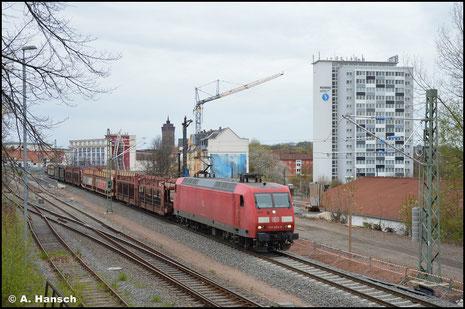 Am 6. Mai 2021 zieht 145 024-6 einen leeren Autozug durch den Hp Chemnitz-Süd gen Dresden