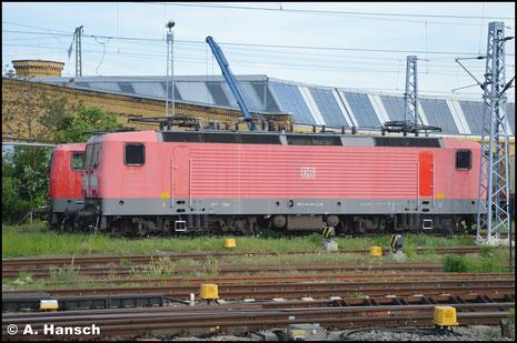 """143 361-4 ist als Heizlok am Leipziger Hbf. eingesetzt. Am 11. Mai 2016 konnte sie aus dem Zug heraus """"erlegt"""" werden"""