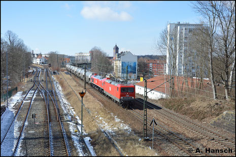 """Vor 077 012-8, ist die Lok am 21. März 2018 in Chemnitz-Süd zu sehen. Auffällig ist, dass die Frontnummer """"602"""" durch die Loknummer ersetzt wurde"""