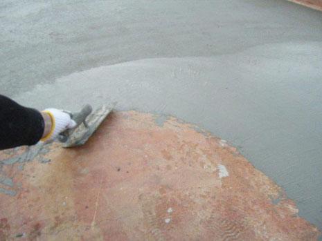 防水改修工事(施工中)仮防水(カチオン樹脂)施工