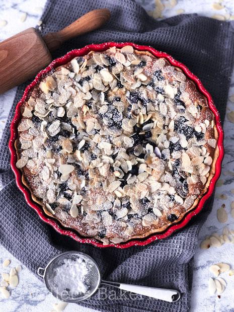 Schwedische Marzipan-Blaubeer-Tarte