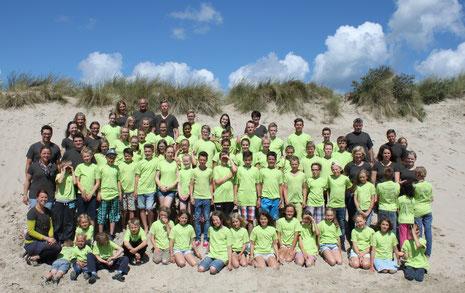 Gruppenfoto in einer Sanddüne auf Ameland/Kooiplaats