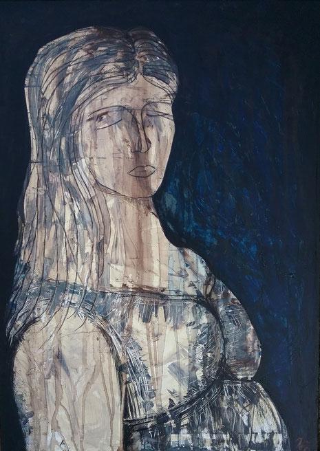 Eine starke, in sich ruhende, vom Leben gezeichnete Frau