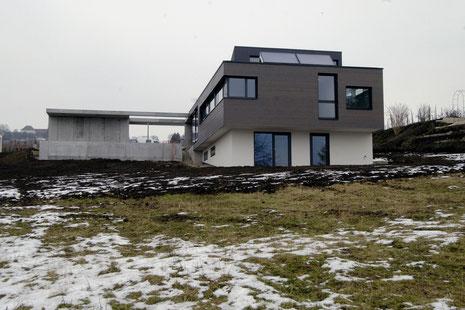Neubau EFH Hööracker, Hallau I Aussenraum mit Pool