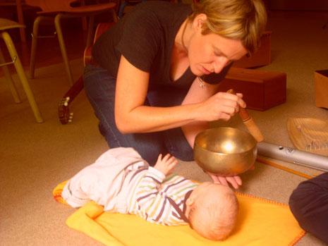 Musiktherapie mit Kindern und Erwachsenen