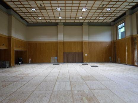 武道場(改修状況) 床養生完了
