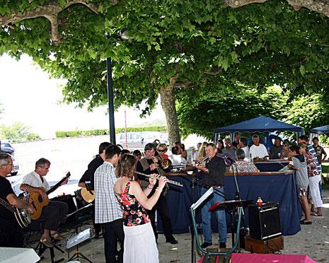 Invitée par le Rural Jazz Band à Blajan le 22 juin 2012