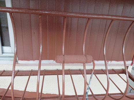 海津町、南濃町、平田町、養老町、輪之内町、羽島市、祖父江町、八開村、立田村、長島町、多度町、北勢町で外壁塗装工事中の外壁塗装工事専門店。南濃町で外壁塗装工事/付帯の塗装作業中