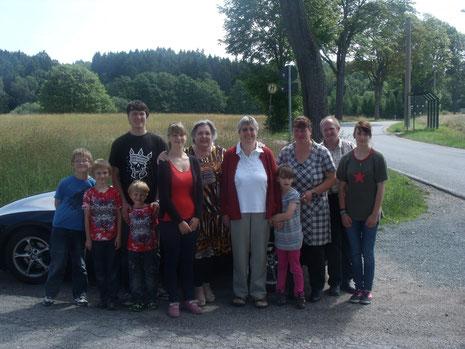 Kurz vor unserer Abreise aus Rodewisch, ein Bild mit der gesamten Familie, Irene Elbers und GvdBurg - der Reisebericht folgt noch
