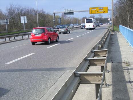 Zufahrt Hochstraße Richtung Halle-Neustadt