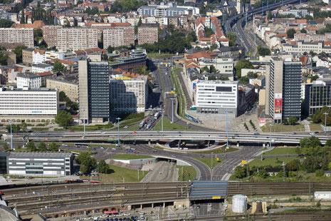 Riebeckplatz mit Hochhaustürmen