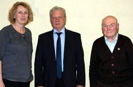 Ehrung Passive Mitglieder Vorsitz. Sandra Metz, Siegfried Brandl (40J), Ivo Manger (25J) - 2015