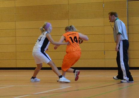 Top-Scorerin Lena Rogenhofer im Spiel gegen Saaldorf
