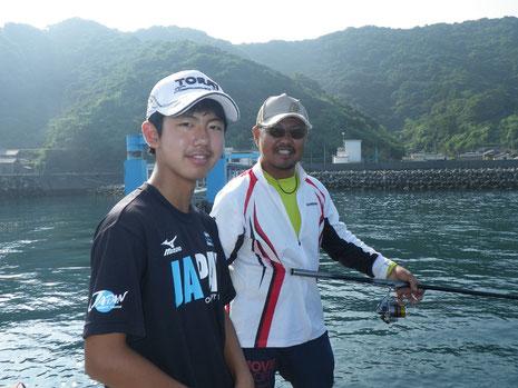 海苔プロの延岡の田口さんと息子さんの海都くん