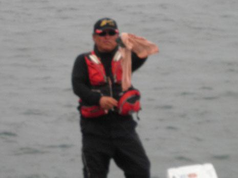黒ブーさんは舟付でポツリポツリと大バエサイズ