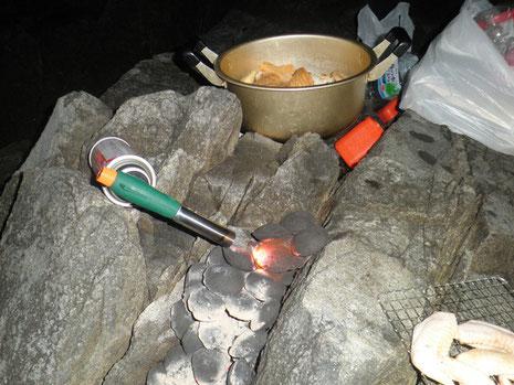 こんな感じで暖と飯の準備です