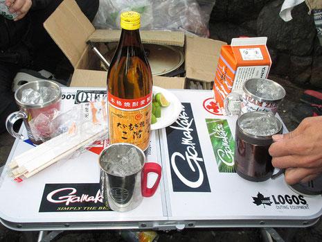武ちゃんのシールベタベタテーブル