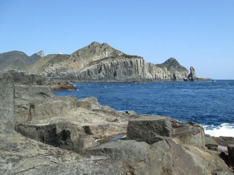 女島灯台と針古