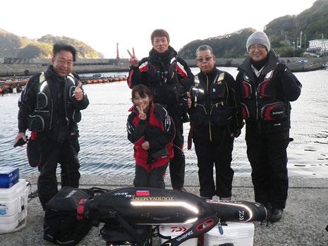 港で久しぶりに磯遊人さんご夫妻と後藤さんと会いました^^