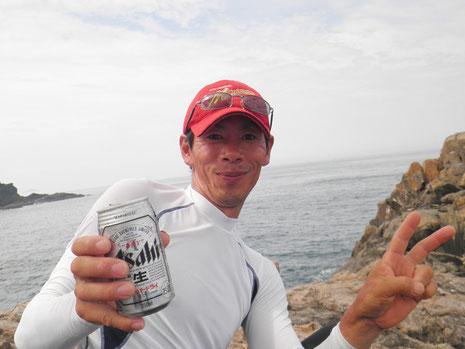 コヤツ…午前中の潮の無い時間にかなり飲んでて、すでに出来上がってる^^;
