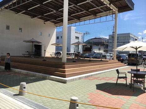 川之江栄町商店街 中ほど(新設ステージ)