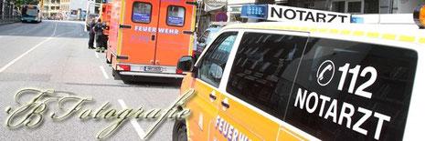 02.08.2012 - HH/Winterhude: Feuerwehr rettet Kranken vom Baugerüst