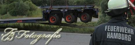 30.07.2012 - HH/Billstedt: LKW-Auflieger rutscht von der Autobahn