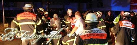 24.08.2012 - HH/Bergedorf: Schwerer Unfall vor Baumarkt - 4 Verletzte