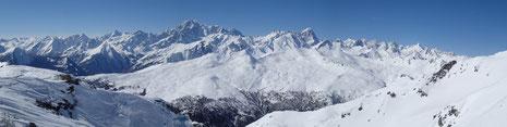 Le Massif du Mont-Blanc depuis la Punta Leysser